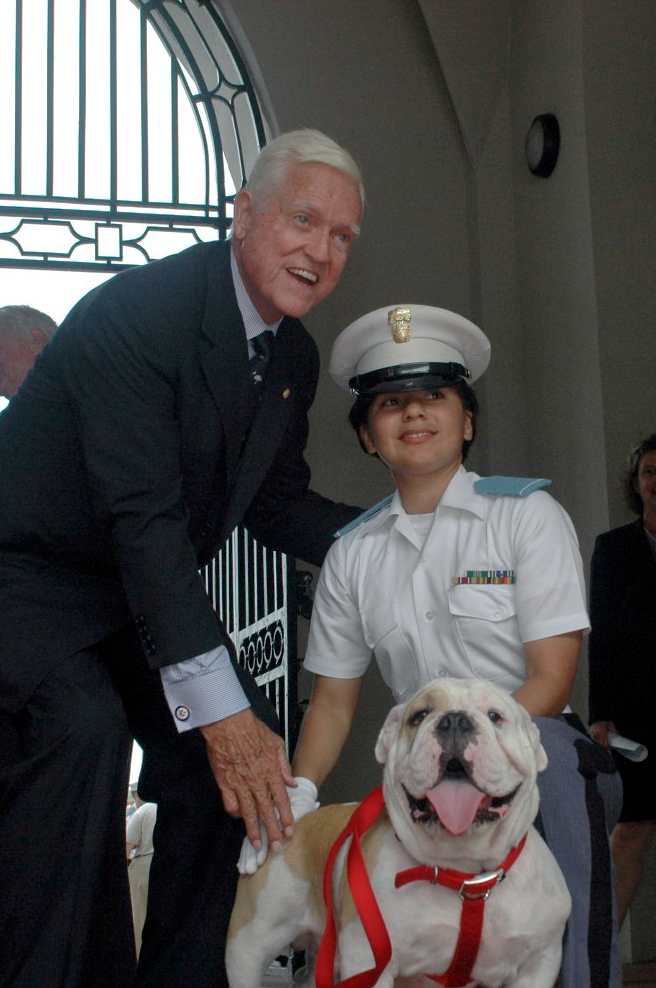 Sen. Fritz Hollings with cadet and Citadel bulldog mascot