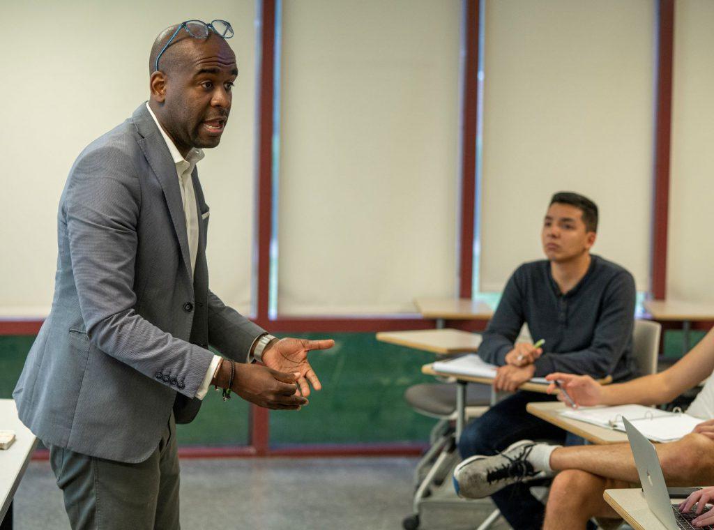 Muhammad Fraser-Rahim teaching The Citadel in DC students