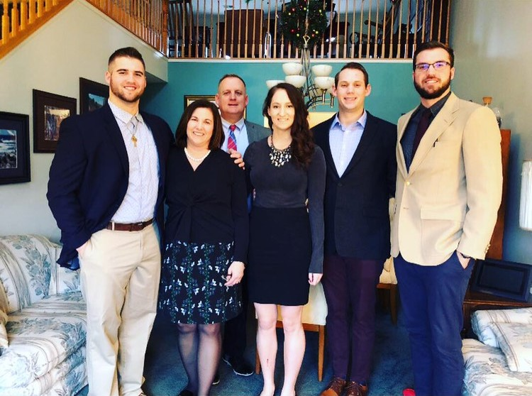 (Left to right) Mark Weakland, Samantha Weakland (Mother), Chris Weakland (Father), Emma Weakland (Sister), Josh Weakland (Brother), John Weakland (Brother)