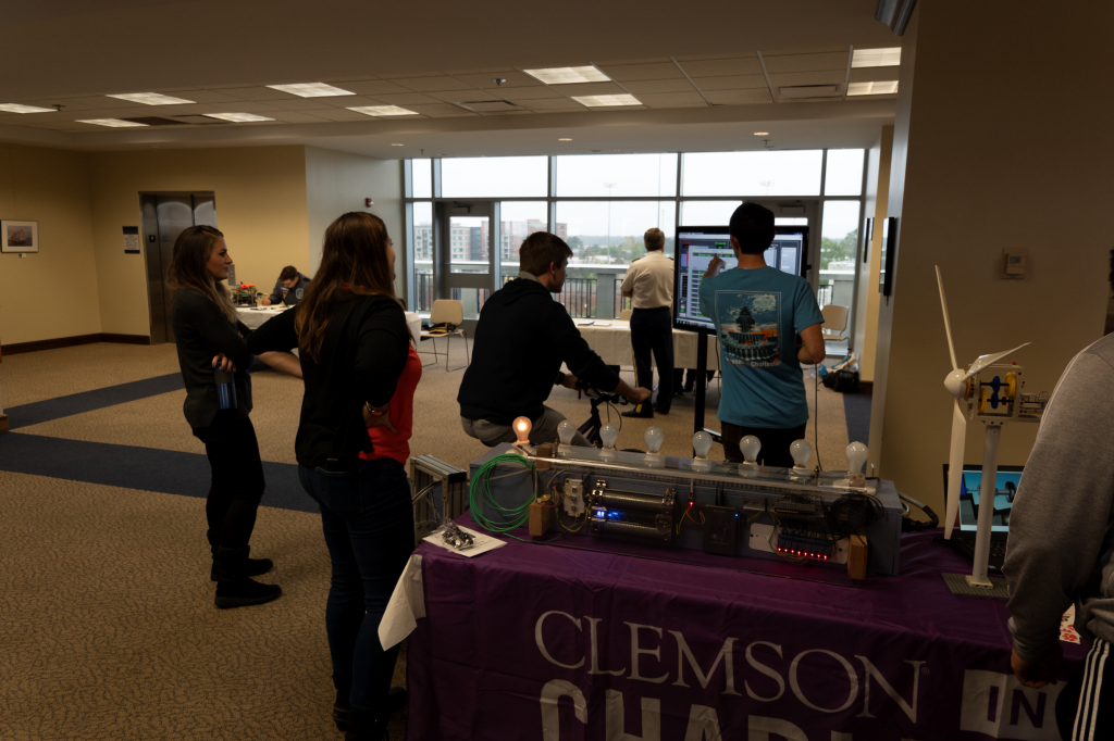 Students learning about renewable energy through the Clemson Extension
